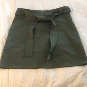 Army green structures skirt with tie